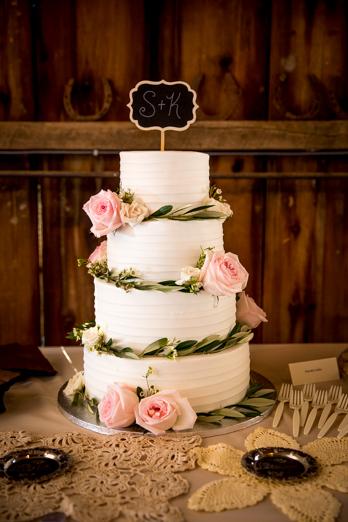 Duluth Wedding Photographers_Barn Wedding-14