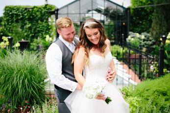 Milwaukee The Atrium Wedding Photographer_Atwater Beach