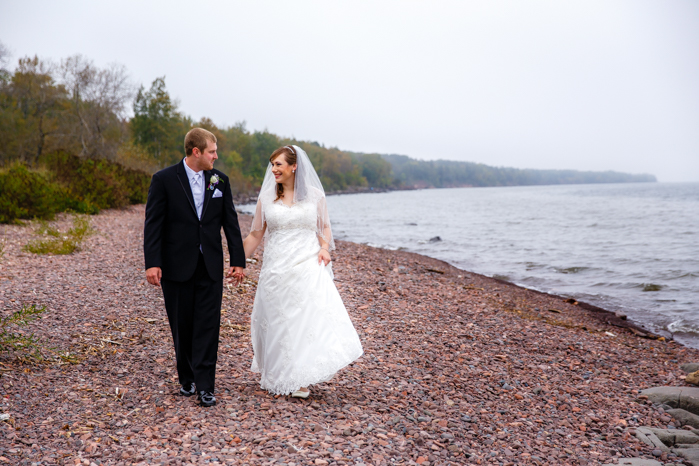 Lake Superior North Shore Wedding_Wisconsin Wedding Photographer-12