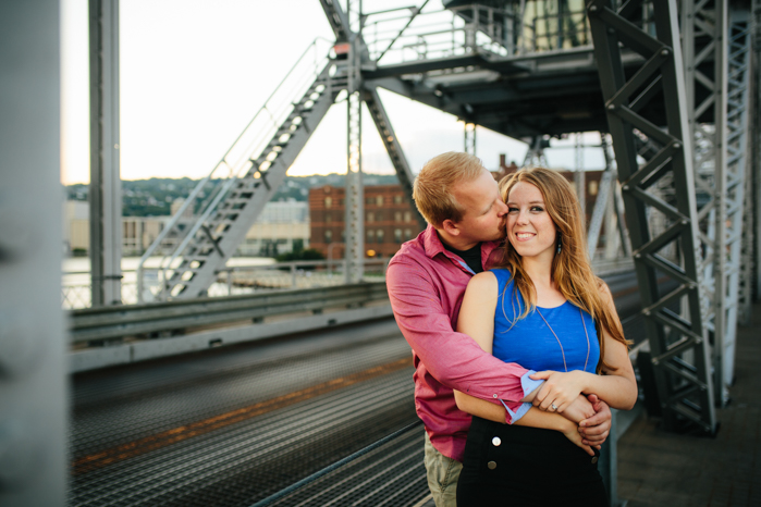 Milwaukee Photographer_Engagment Pictures (12)