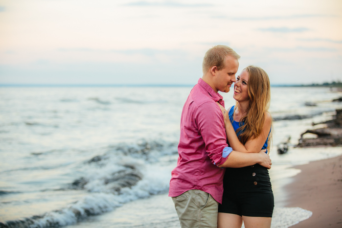 Milwaukee Photographer_Engagment Pictures (21)