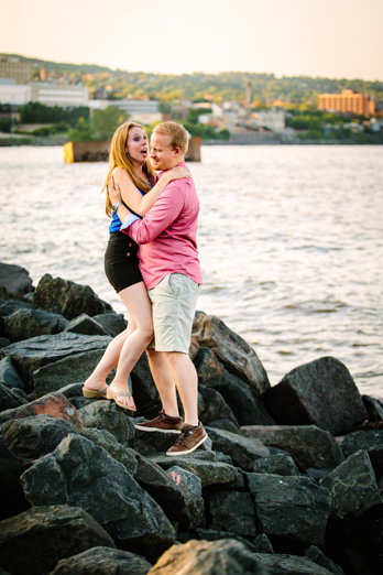 Milwaukee Photographer_Engagment Pictures (4)