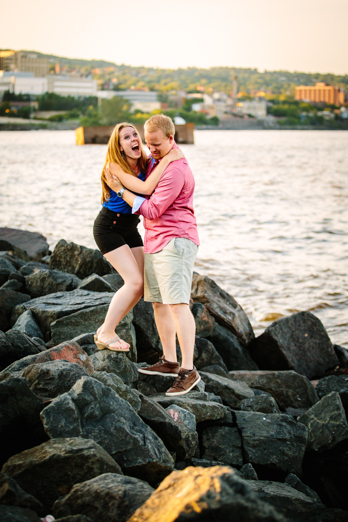 Milwaukee Photographer_Engagment Pictures (5)