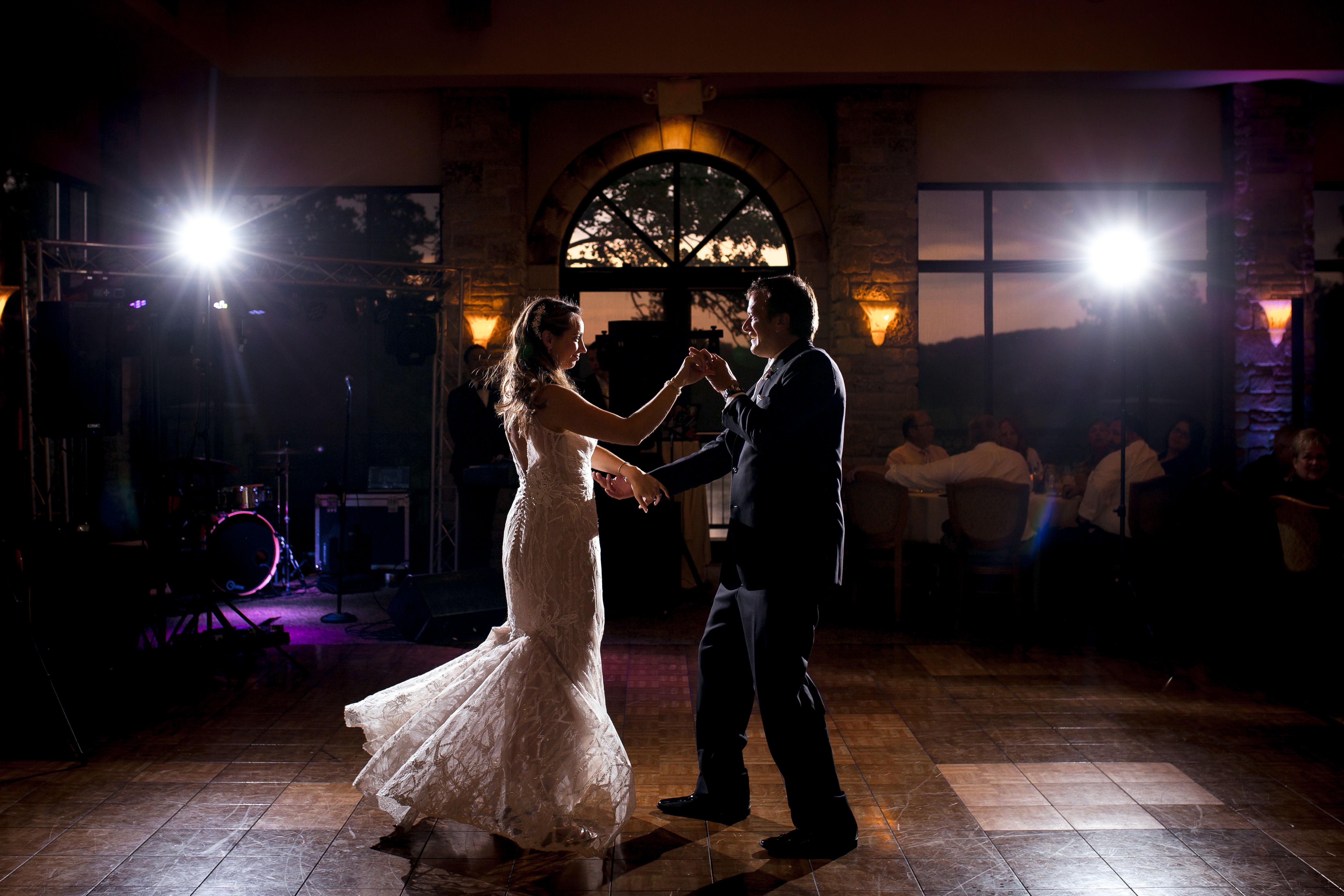 First dance picture, milwaukee wedding photographer