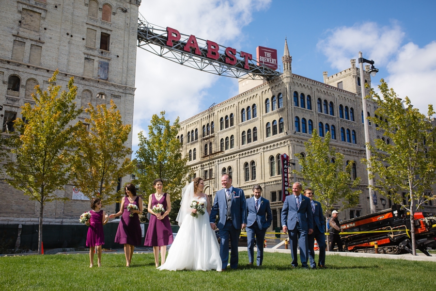 Milwaukee Wedding Photographer_Pabst Sign