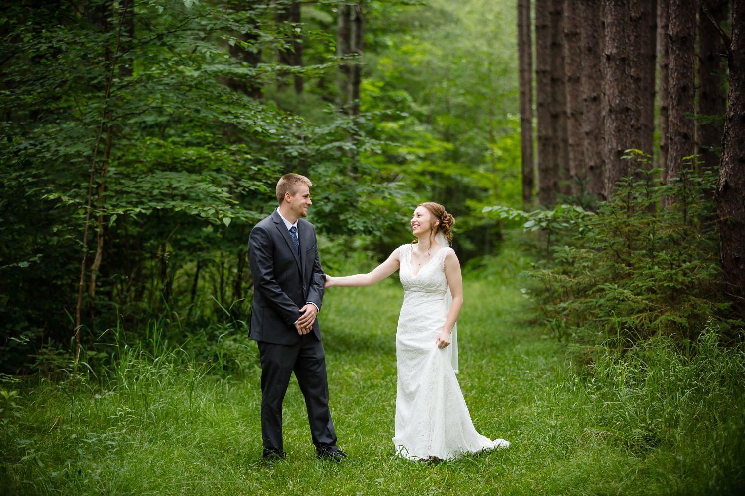 Wedding Photographer in Milwaukee WI_1150.jpg