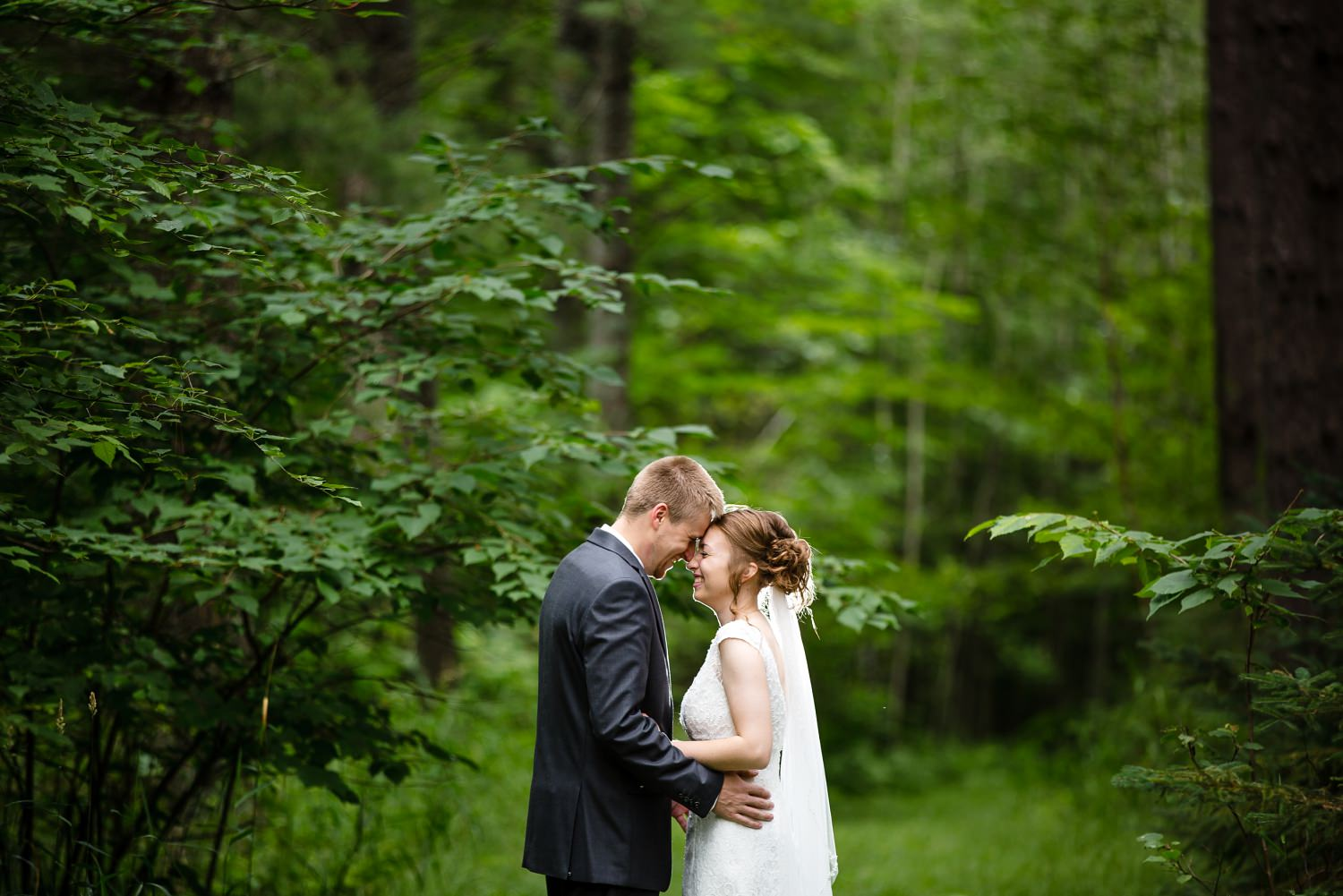Wedding Photographer in Milwaukee WI_1161.jpg