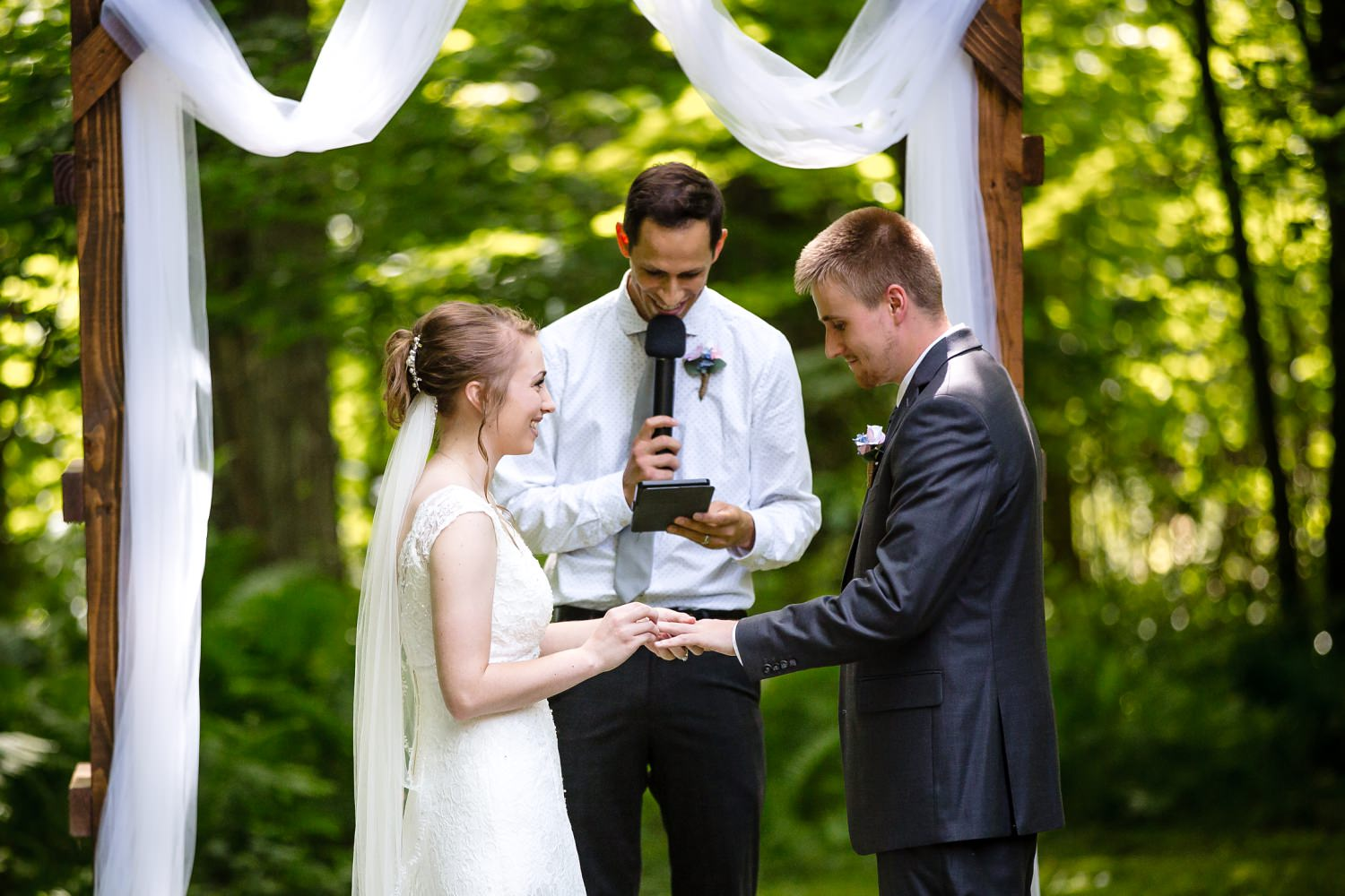 Wedding Photographer in Milwaukee WI_1176.jpg