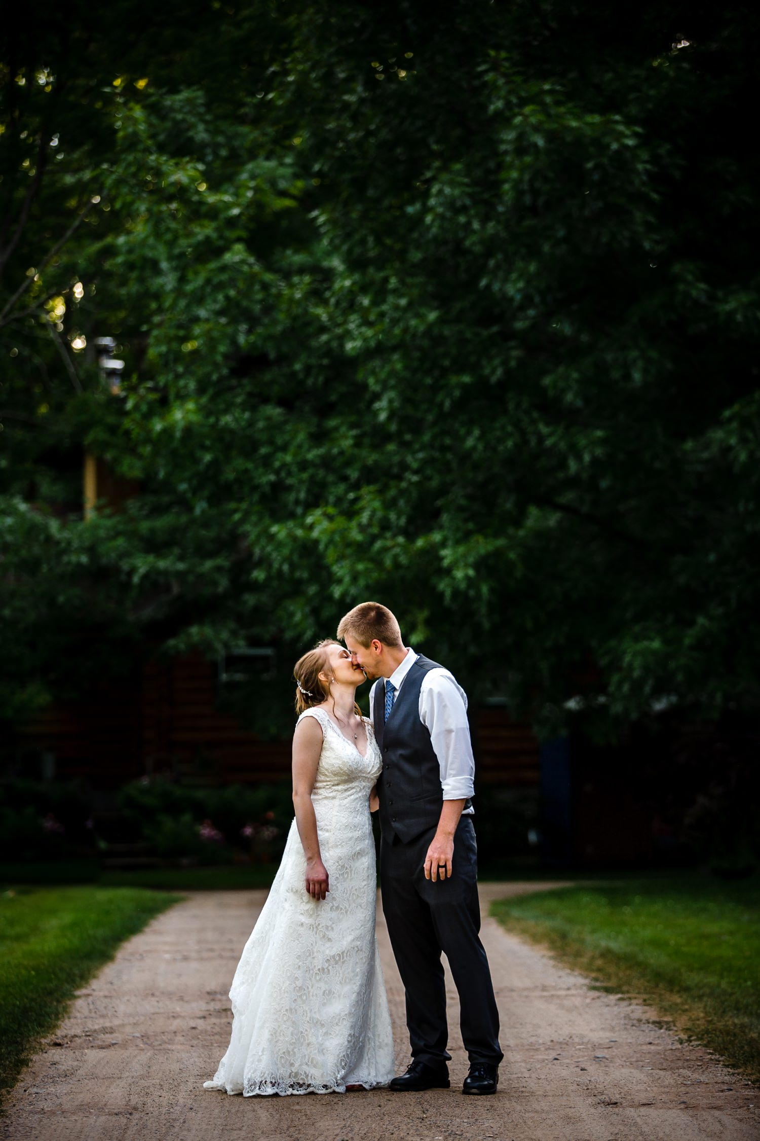 Wedding Photographer in Milwaukee WI_1182.jpg