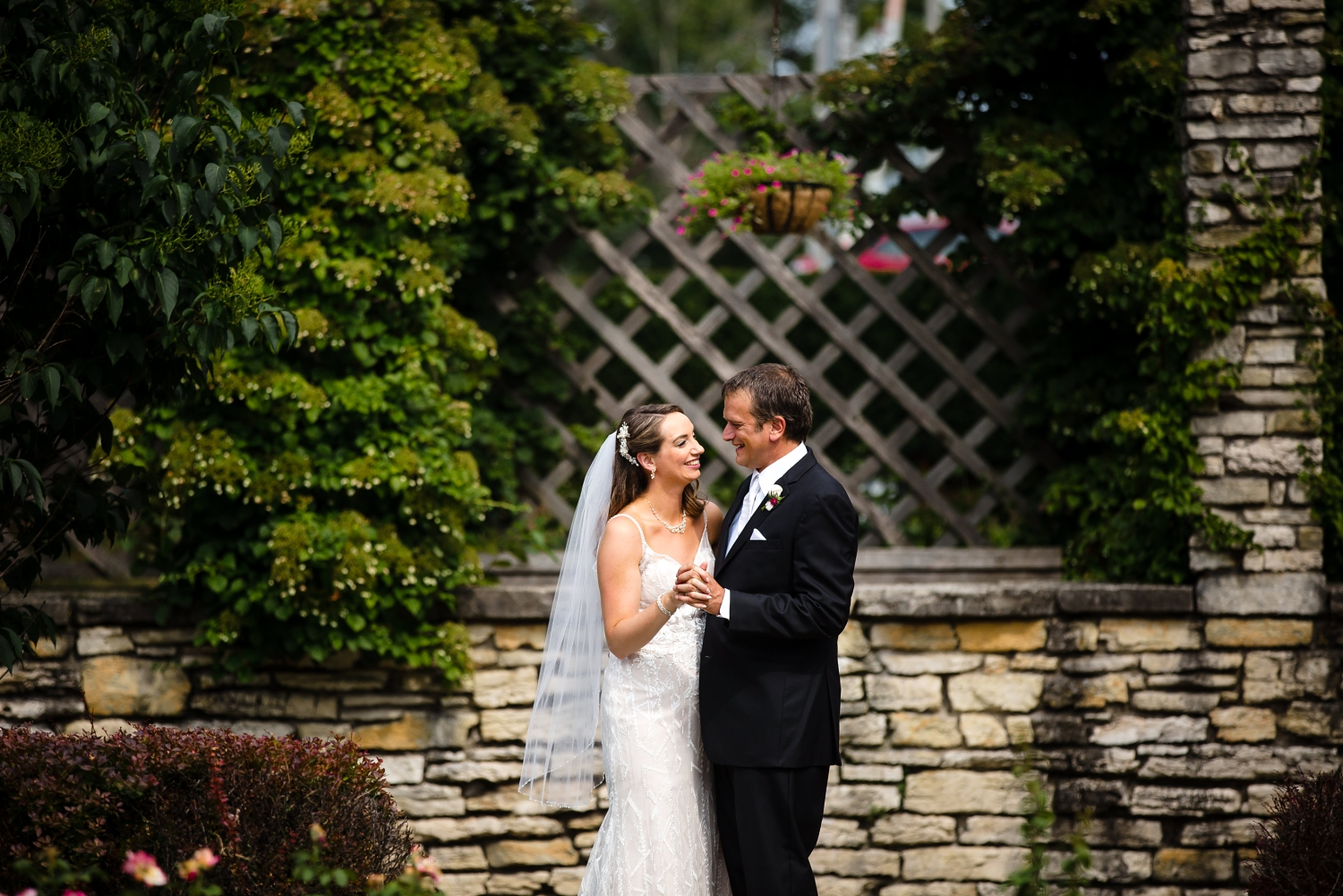 Wedding Photographer in Milwaukee WI_1198.jpg