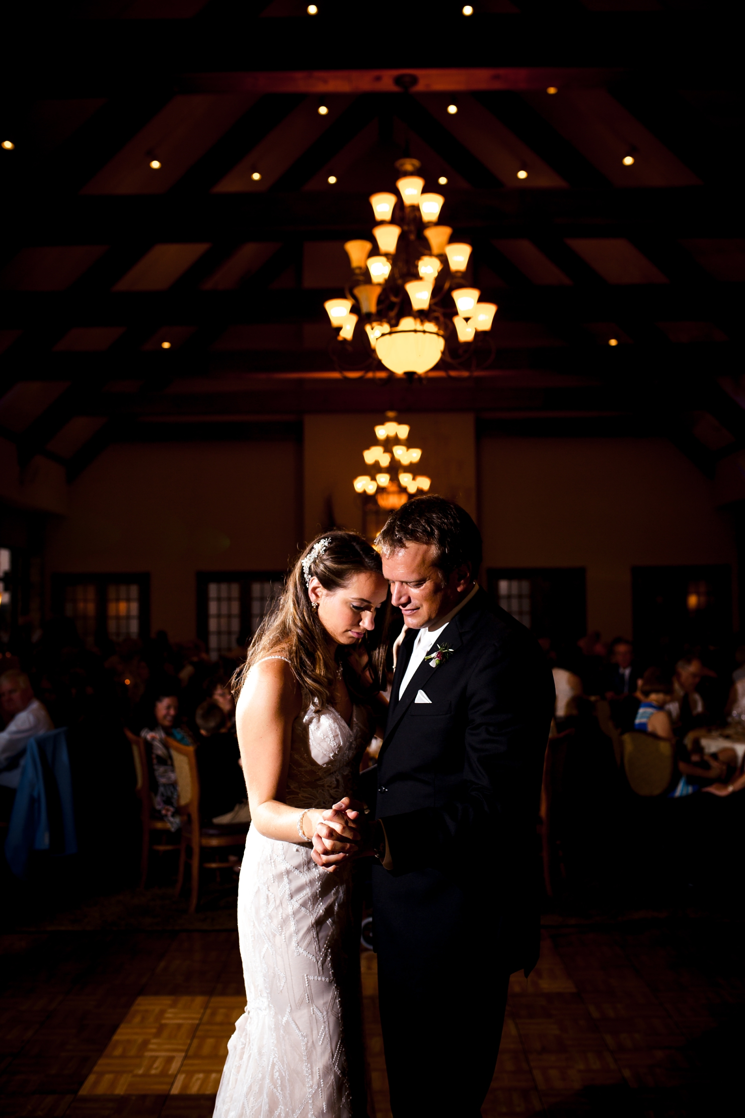 Wedding Photographer in Milwaukee WI_1219.jpg