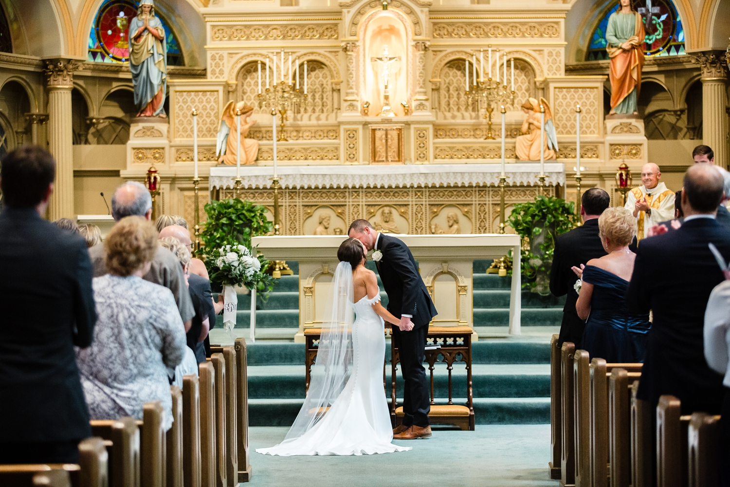 Old Saint Mary Perish Wedding_Milwaukee Wedding Photographer_Elegant Dresses