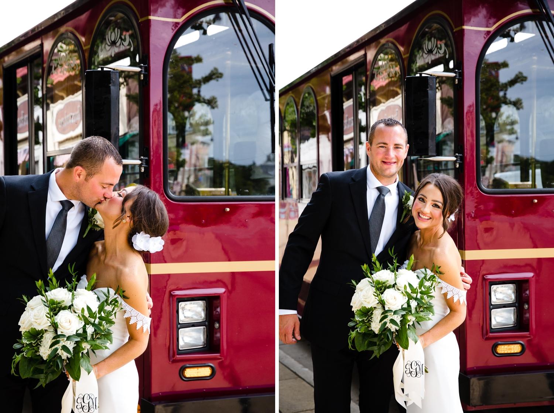 Ivenhoe Pub Pictures_Wedding Trolly_Milwaukee Photographer_Elegant Dresses