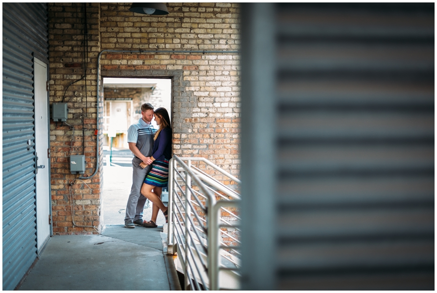 Milwaukee Art Museum Engagement Pictures_Third Ward Session