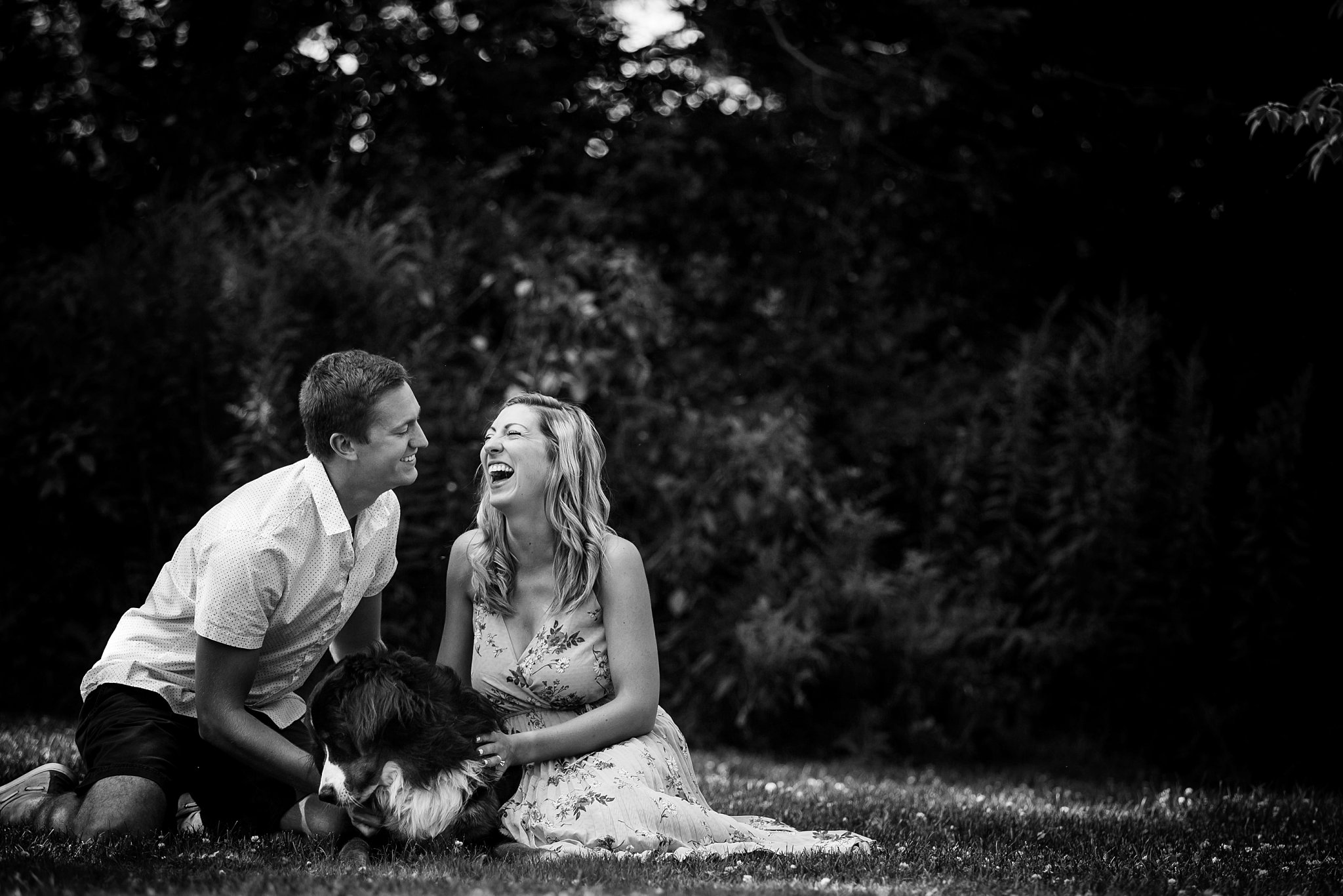 Lake-park-and-cafe-benelux-engagement-session